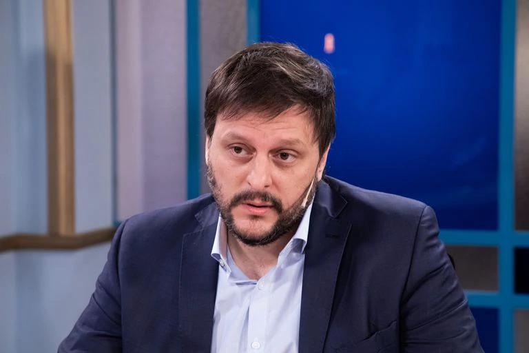 Leandro Santoro se pronunció sobre los dichos de Aníbal Fernández.